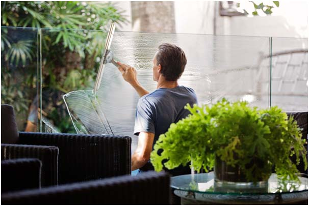 The Notable Benefits Of Hiring A Professional Cleaning Service During COVID Age